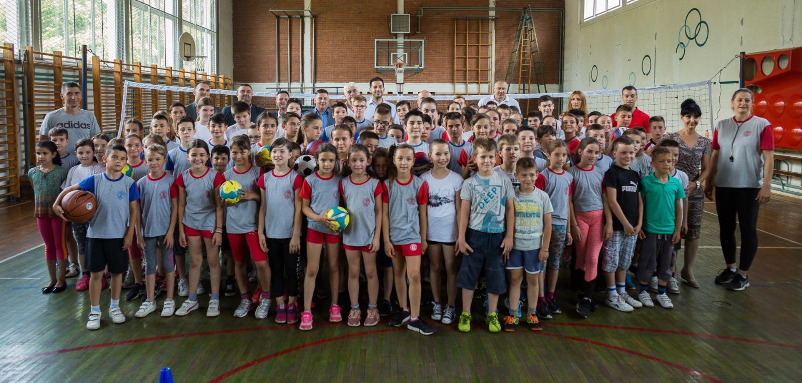 Донација спортске опреме и реквизита за фискултурне сале основних школа, нова инфраструктура и Европски турнир Специјалне олимпијаде у инклузивној одбојци у Кикинди и Зрењанину
