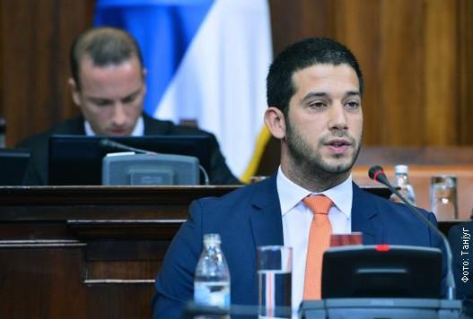 Влада исплатила 500 стипендија за студије у иностранству